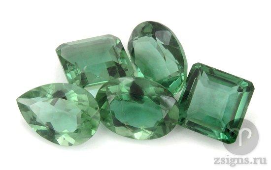 kamni-zelyonogo-ametista-v-raznoj-ogranke