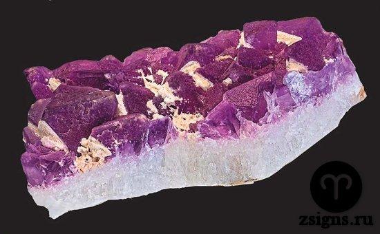 druza-fioletovogo-flyuorita-kamen
