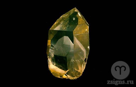 kristall-zhyoltogo-kvarca