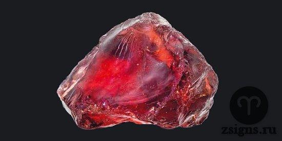 prirodnyj-kamen-pirop