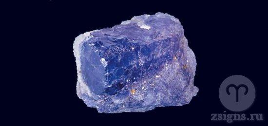 prirodnyj-kamen-tanzanit
