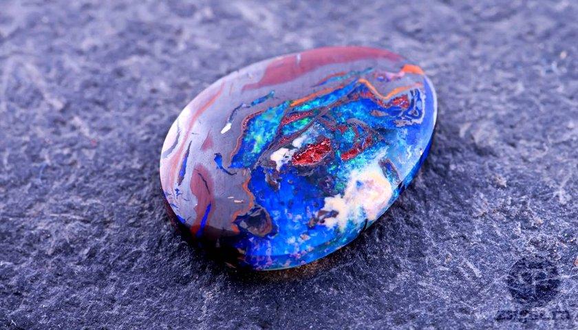 opal-kamen-magicheskie-svojstva-znak-zodiaka
