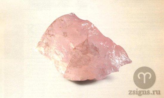 kamen-rozovyj-kvarc