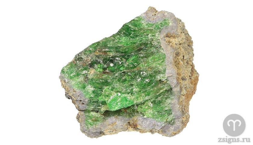 cavorit-kamen-magicheskie-svojstva-znak-zodiaka