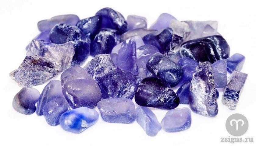 iolit-kamen-magicheskie-svojstva-znak-zodiaka