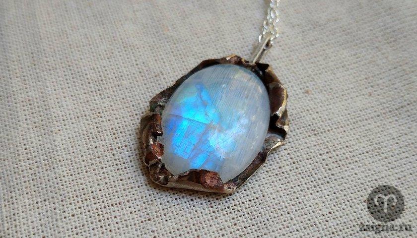 lunnyj-kamen-magicheskie-svojstva-znak-zodiaka