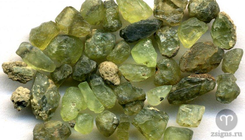 olivin-kamen-magicheskie-svojstva-znak-zodiaka