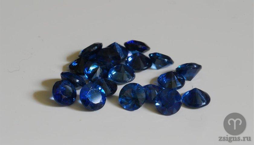 sapfir-kamen-magicheskie-svojstva-znak-zodiaka