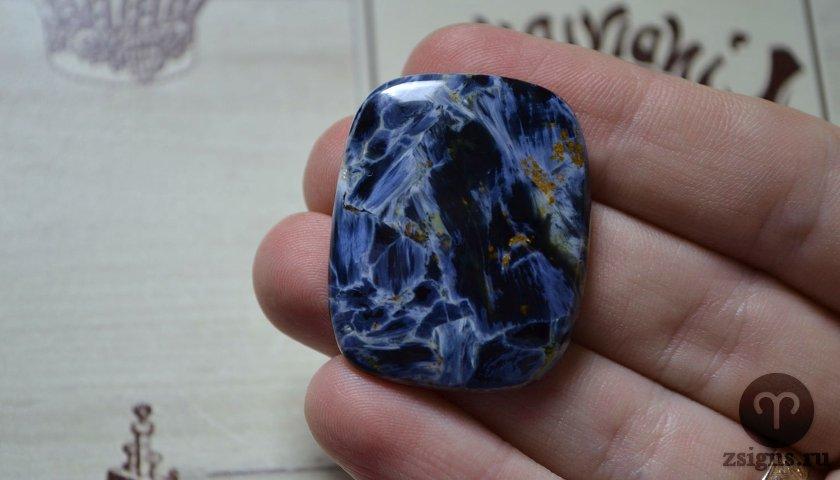 petersit-kamen-magicheskie-svojstva-znak-zodiaka