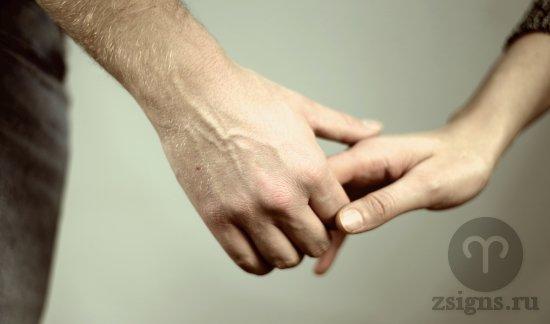 vlyublyonnye-paren-devushka-lyubov-ruki