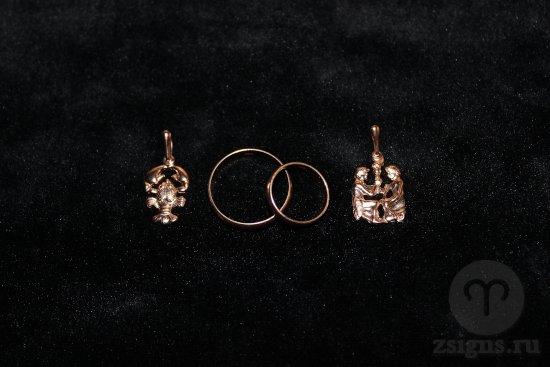 zolotye-obruchalnye-kolca-kulon-znak-zodiaka-rak-bliznecy
