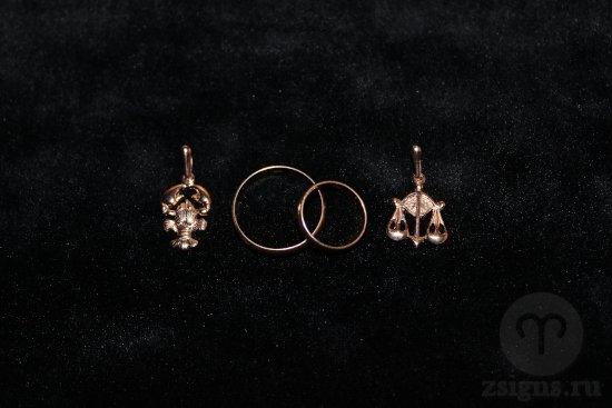 zolotye-obruchalnye-kolca-kulon-znak-zodiaka-rak-vesy