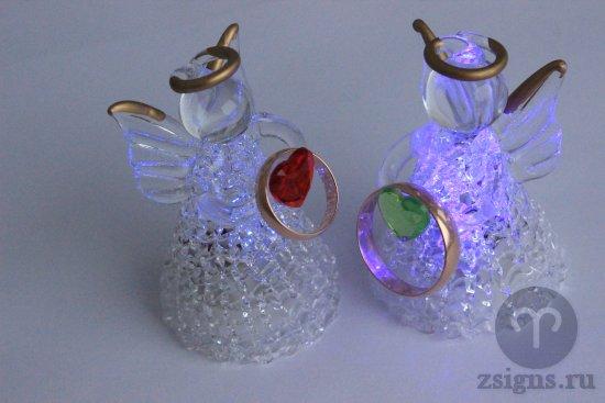 zolotye-obruchalnye-kolca-figurki-angel